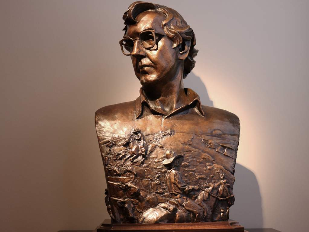 Photo of Larry McMurtry sculpture