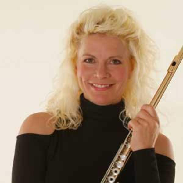 Stars At Night: Rhonda Larson, flute